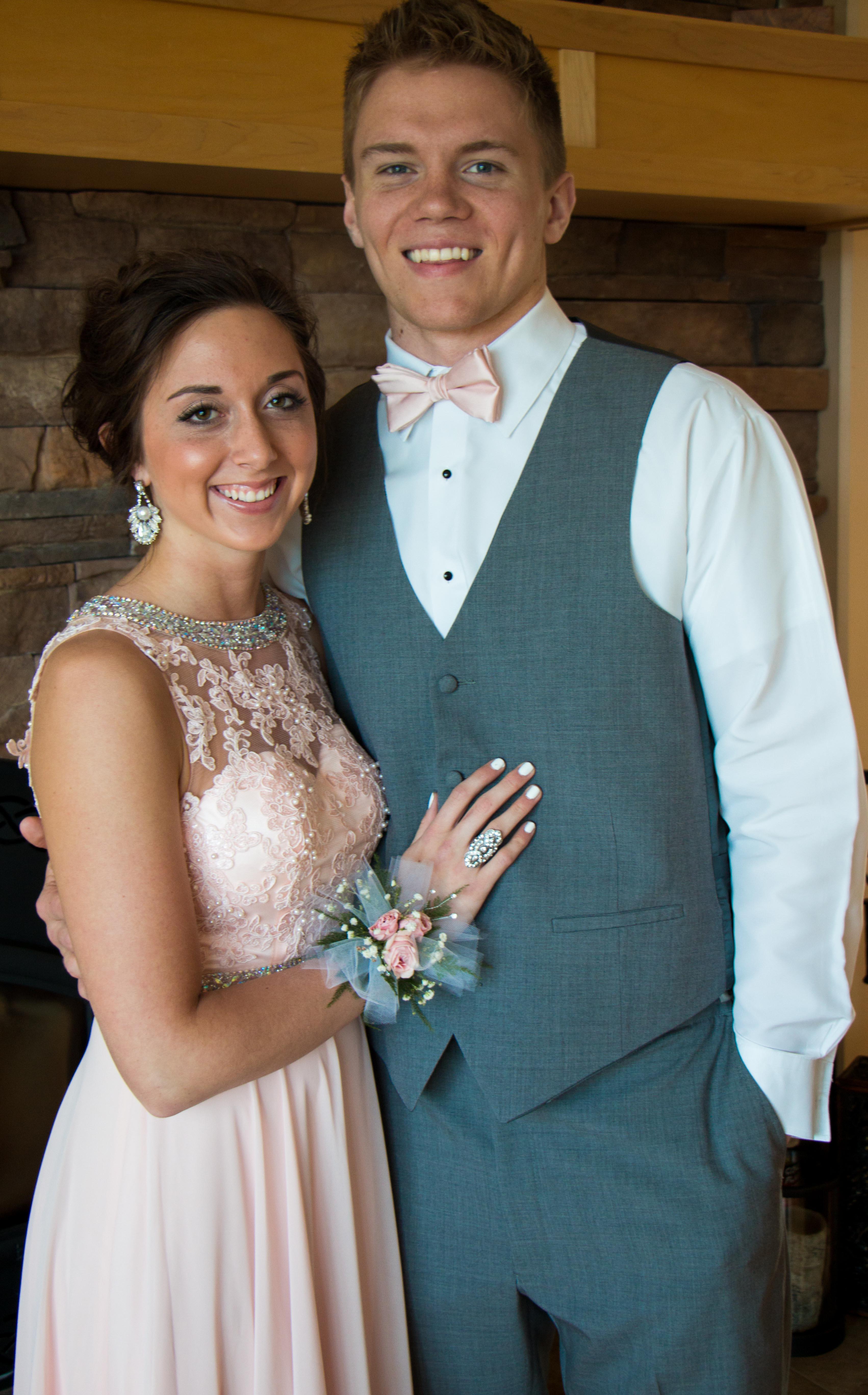 A senior prom on the prairie - The Pinke Post